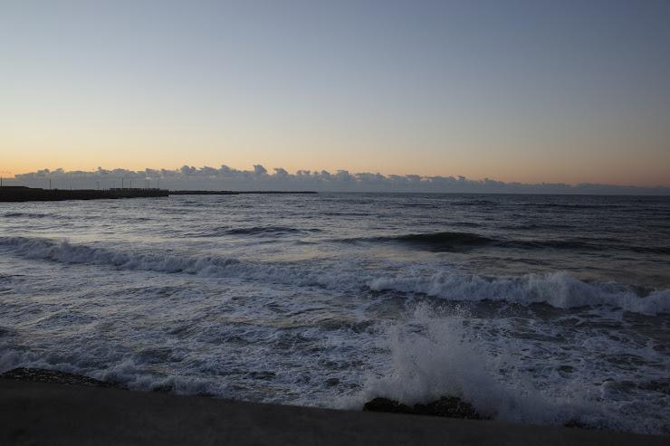 九十九里浜から眺める元旦のトワイライト