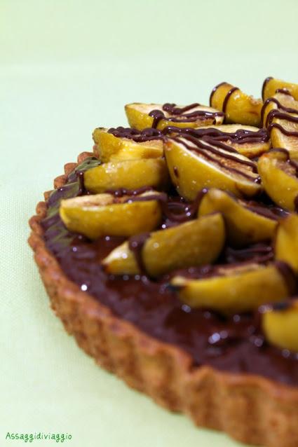 Crostata di fichi su crema frangipane con ganache di cioccolato fondente