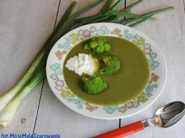 Zielona zupa z dymki z brokułem - CZYTAJ DALEJ