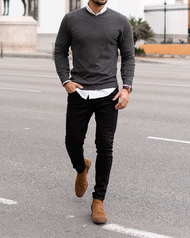Shirt with round neck sweaters and jeans.