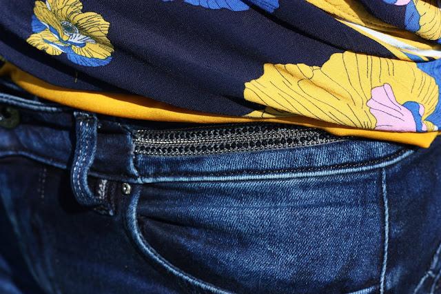 details-strass-jeans-salsa