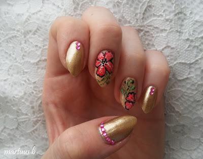 http://martuuszakatek.blogspot.com/2017/07/hawajskie-kwiaty.html