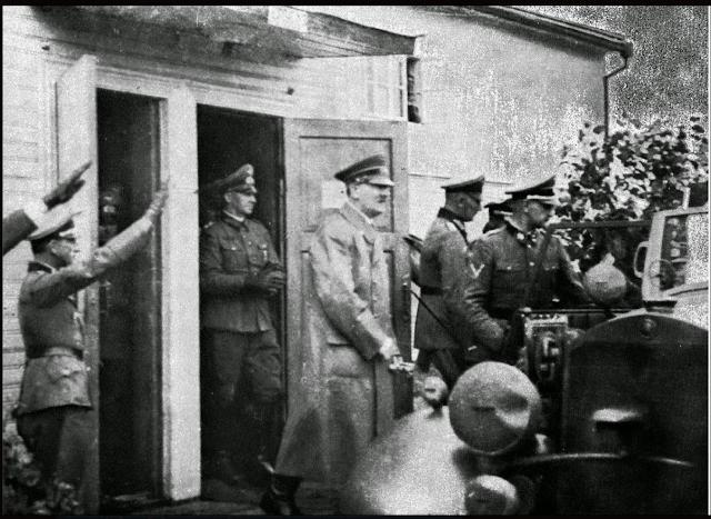 HItler at Borisov, 4 August 1941 worldwartwo.filminspector.com