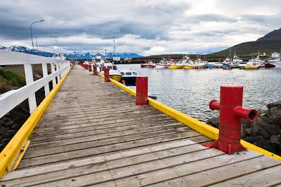 Muelle de la ciudad de Dalvik en Agosto