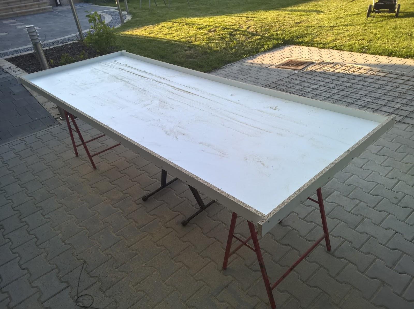 holz und metall ein heimwerkerblog terrassentisch selber bauen tischplatte. Black Bedroom Furniture Sets. Home Design Ideas