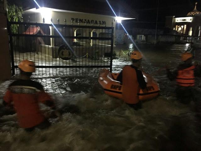 Mapolres Bone Terendam Banjir, Hanya Bangunan Ini Tak Dimasuki Air