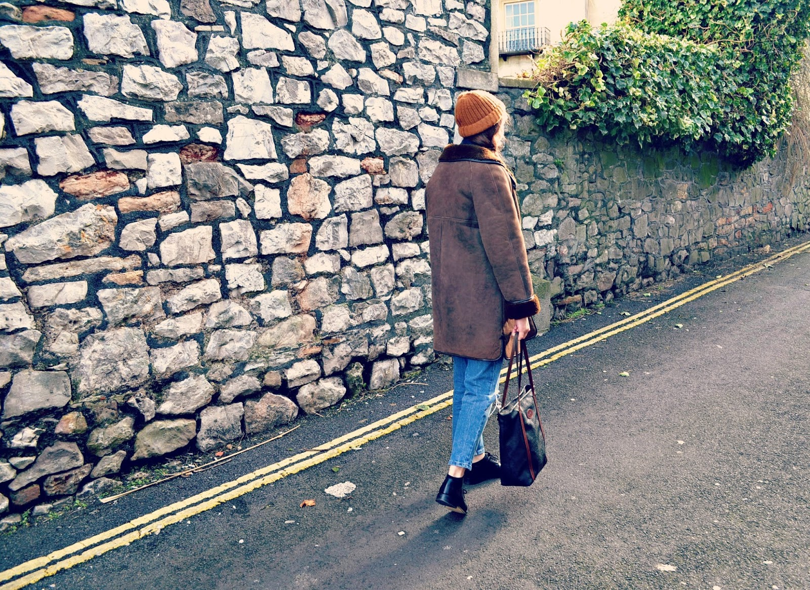 vintage looks, vintage style, sheepskin coat, brogues