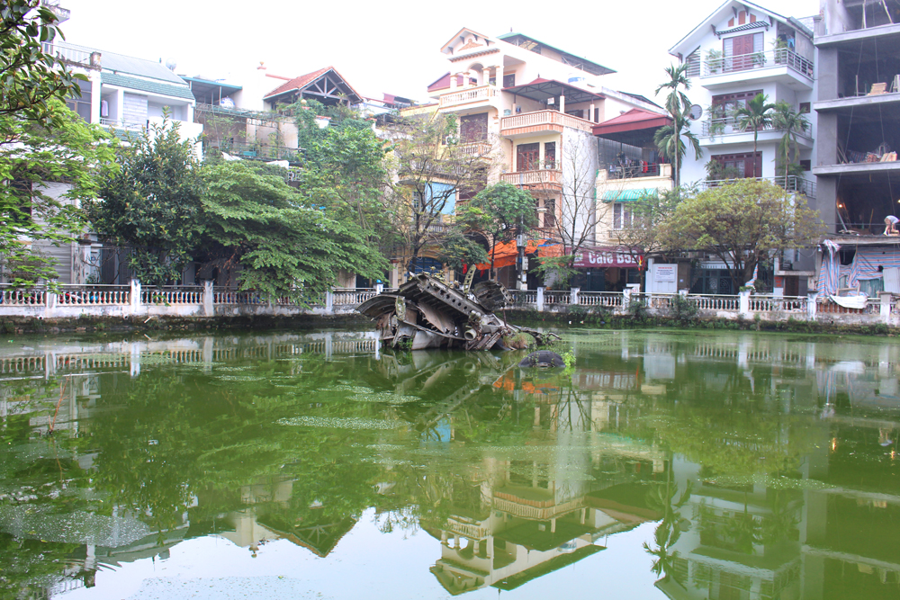 B52 in a lake, Hanoi Vietnam - lifestyle & travel blog