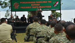 41 Perwira TNI Terima Brevet Kehormatan Pengintai Tempur (Taipur) - Commando