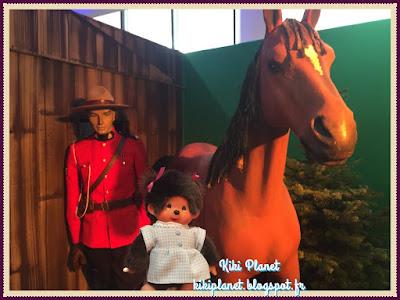 Diana la monchhichi visite le Canada - sirop d'erable - quebec -montreal - caribou