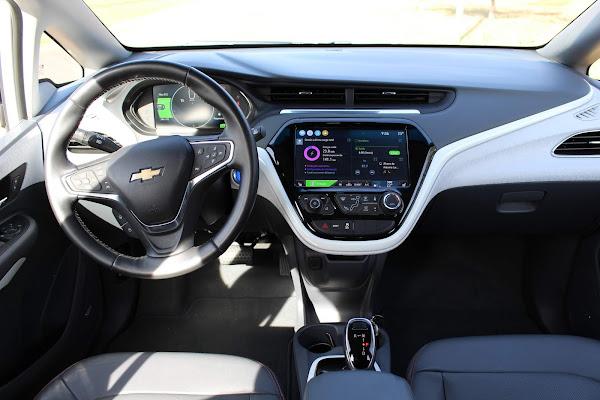 Chevrolet Bolt 2021 - interior - painel