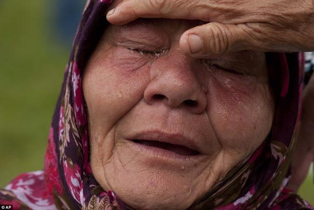 Aksi 212: Nenek Pemulung ini Menangis Hanya Bisa Menyumbang Rp 2000
