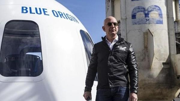 Jeff Bezos, Orang Terkaya Dunia Terbang ke Luar Angkasa Rogoh Rp 14,5 T