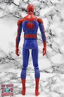 MAFEX Spider-Man (Peter B Parker) 18