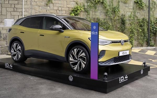 Comissão Europeia propõe proibir carros a combustão a partir de 2035