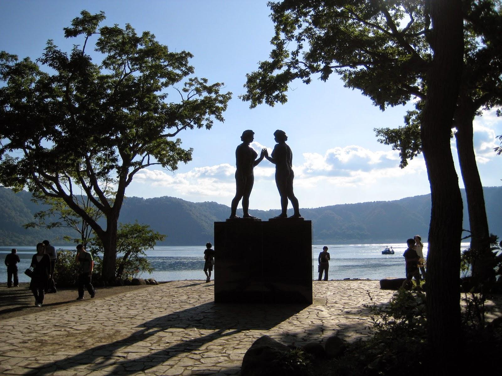 Statue of Maidens Lake Towada Towadako 十和田湖 乙女の像