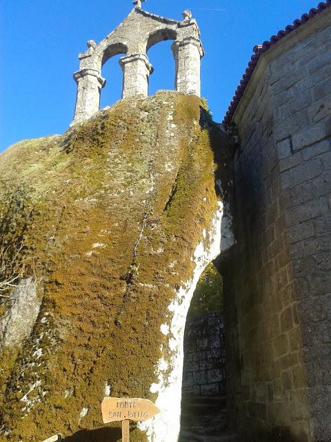 Monasterio de San Pedro de Rocas en Esgos