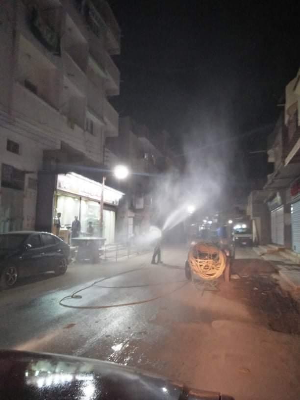 بالصور .. إستمرار حملات رش وتعقيم الشوارع والمنشآت الحكومية بمدن ومراكز المحافظة