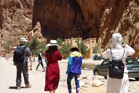 """تداعيات جائحة """"كورونا"""" تخيم على القطاع السياحي في إقليم تنغير"""