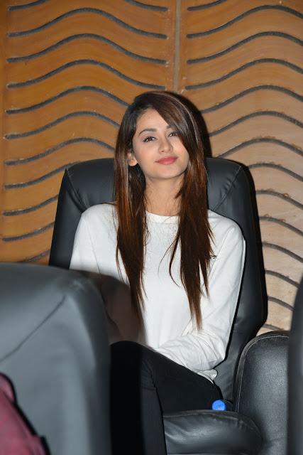 ISM Heroine Aditi Arya latest photos