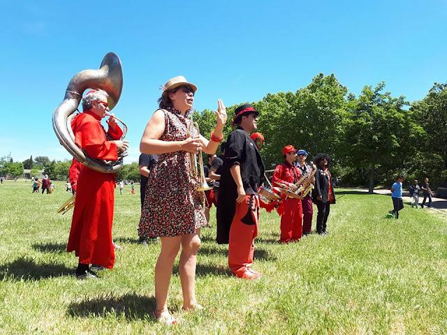 La Fanfare Brass Band TTGL au parc de Font Obscure pour la fête du vivre ensemble