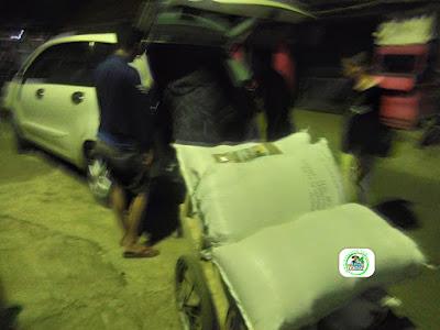 Benih padi yang dibeli   AMBAR Majalengka, Jabar.  (Dari gerobak naik mobil).