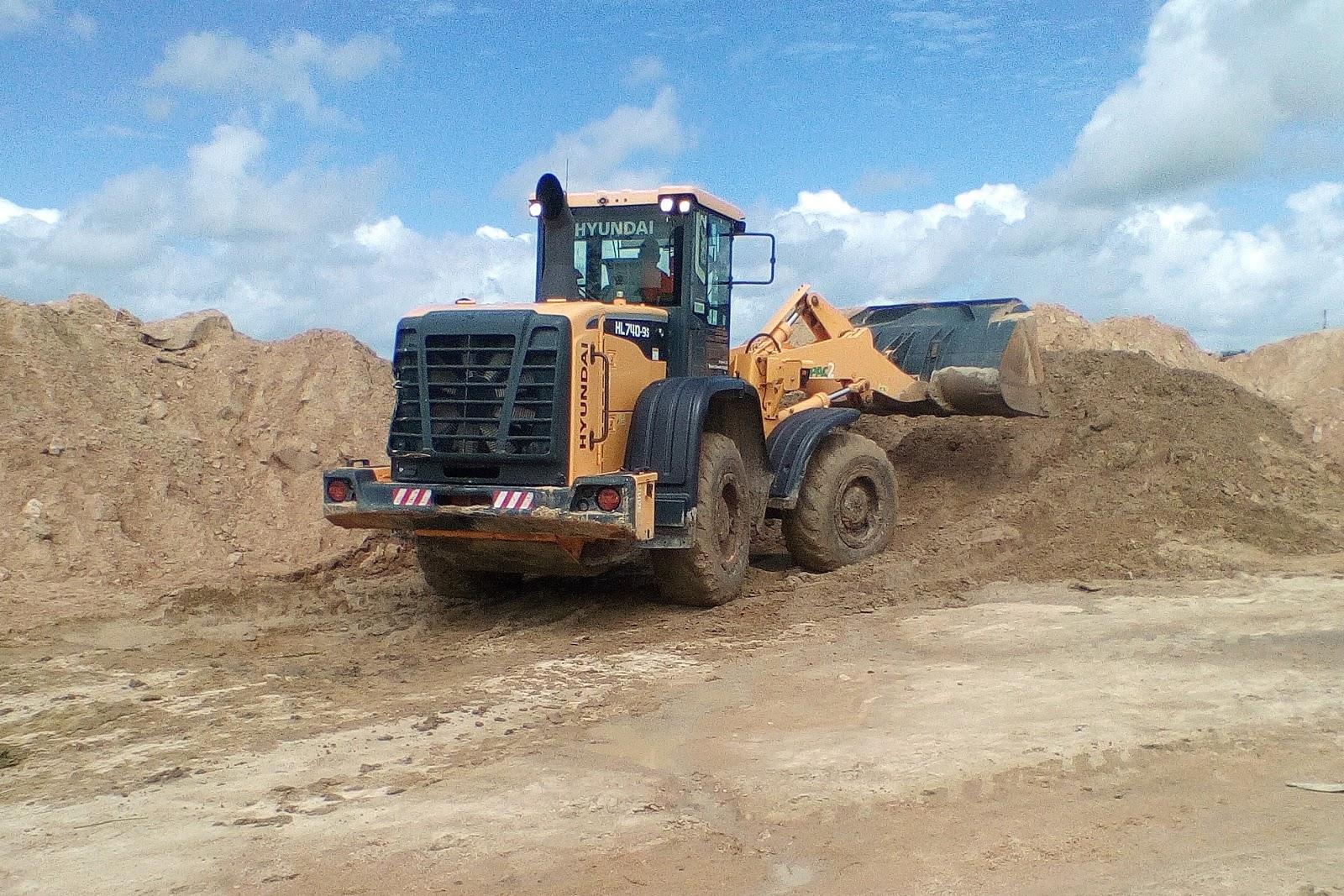 Mais uma construção de uma nova praça em Cacimbinhas na gestão do prefeito Hugo Wanderley.