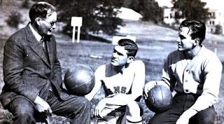 Sejarah Awal Dari Bola Basket,  penjelasan singkat bola basket, jelaskan secara singkat sejarah permainan bola basket, sejarah basket secara singkat, sejarah tentang bola basket, sejarah basket,Dr. James Naismith,