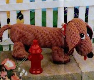 http://amicrochet.blogspot.com.es/2009/08/perro-salchicha.html