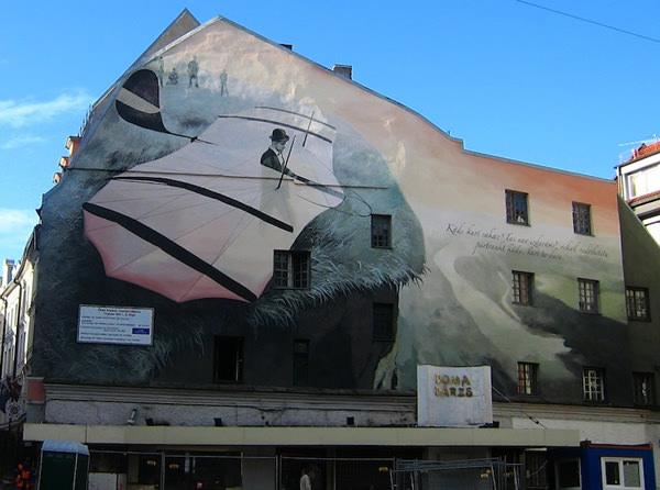 Grafiti atau Lukisan Dinding pegunungan