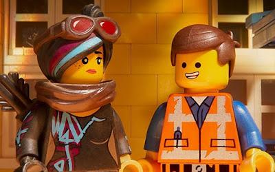 Lucy e Emmet em Uma Aventura Lego 2 (2019); animação estreia no Telecine neste sábado (20)