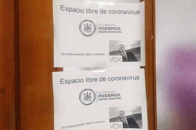 Esto pusieron los de Podemos en su sede de Córdoba, me llegó al WhatsApp (Se lío parda)