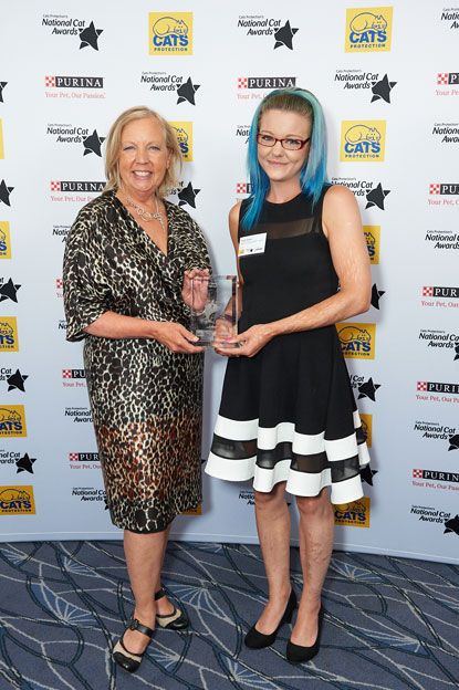 Most Caring Cat Award (Arthur) Emily Hatton, Deborah Meaden, Cats Protection