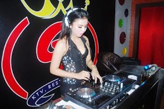 DJ Khela Foe Melanjutkan Hobby Musik Dari Kecil