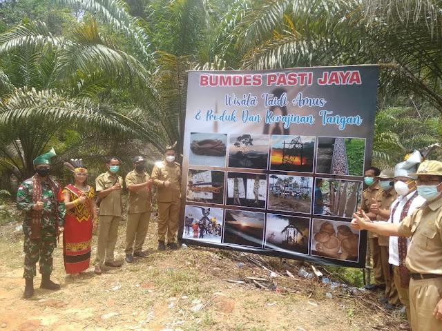 Bupati Bengkayang Sebastisnus Darwis Launching Danau Nek Riamp Sebagai Destinasi wisata