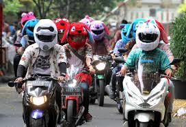Helm Boneka Terbaru Tahun 2020