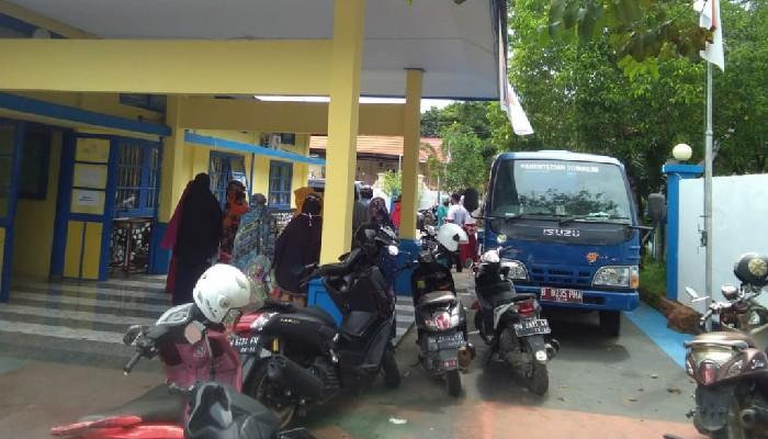 Tak Terima Bantuan, Puluhan Warga Datangi Dinsos, DPRD Bone Berang ke Pemerintah