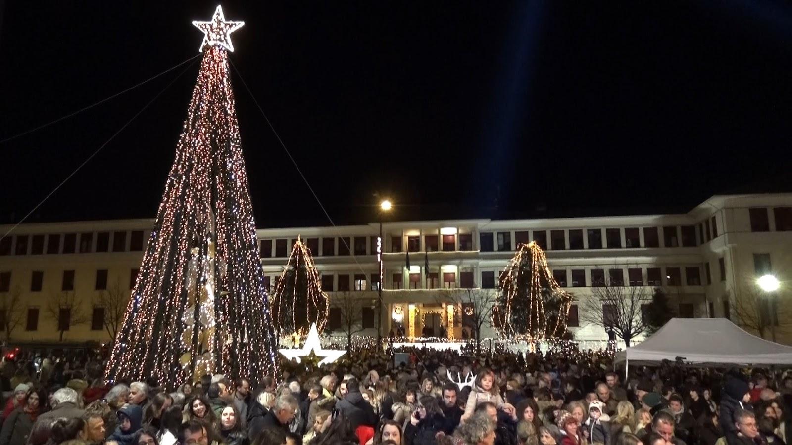 """Υπέρλαμπρη   """"πρεμιέρα"""" Χριστουγέννων στα Ιωάννινα![βίντεο]"""
