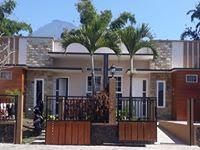 Villa Barat Kota Batu Kolam Renang 3 Kamar Dekat Wisata