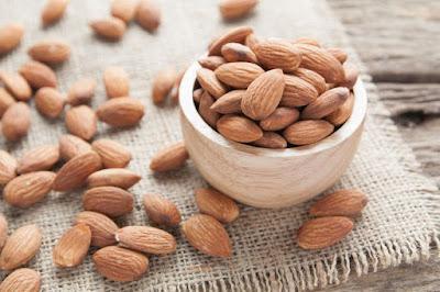 Tips Menyimpan Kacang Almond