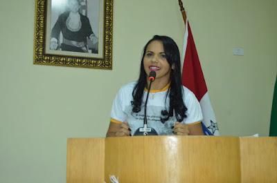 Escritora santanense, Flaviana Costa recebe  reconhecimento como palestrante