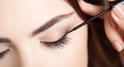 Cara Membuat Eyeliner Alami