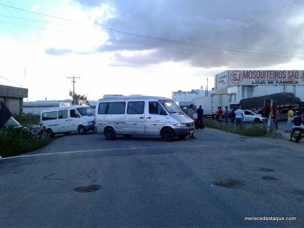 Protesto contra aumento dos combustíveis é realizado na PE-160, no Agreste