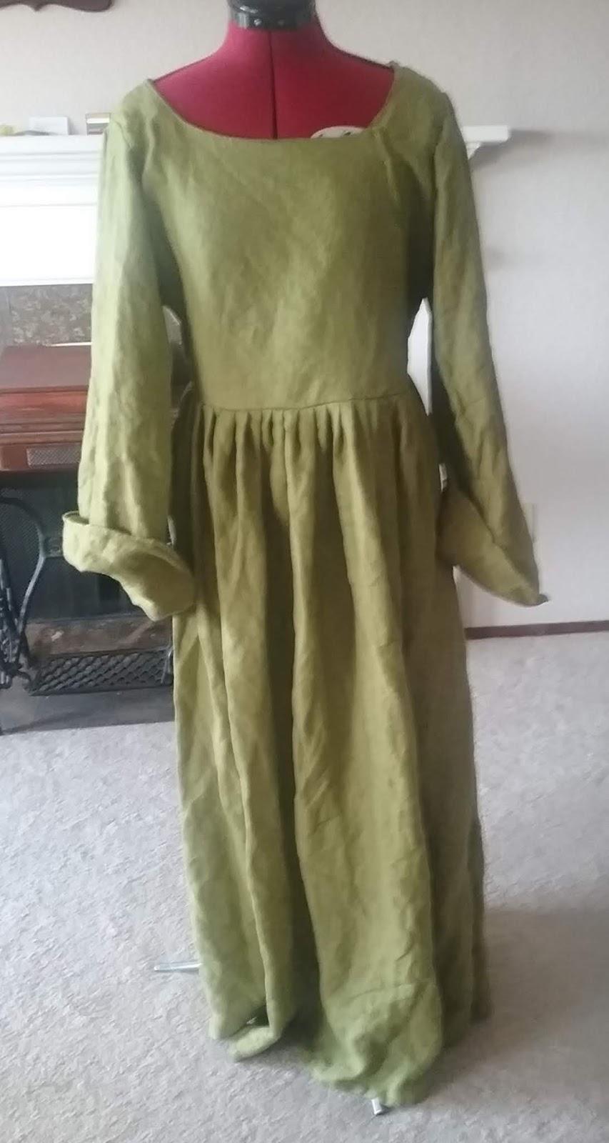 Green Gown, 16th century | Beth's Bobbins