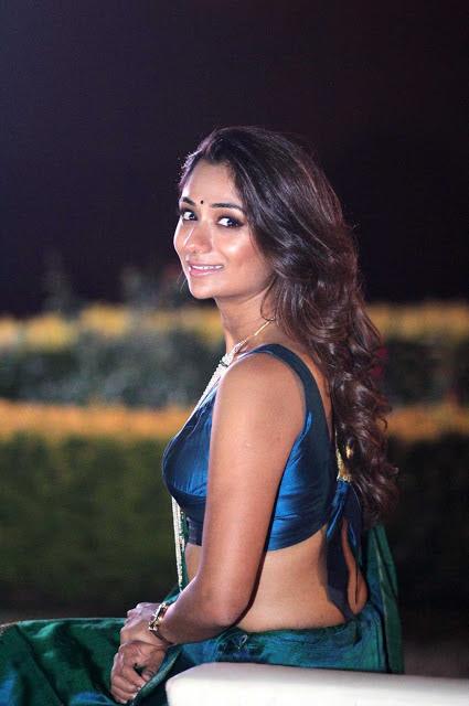 Sandhya Raju Photos