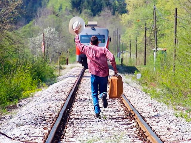 Дополнительные пассажирские поезда на лето 2019 года в России