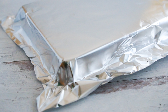 how to line a pan with foil