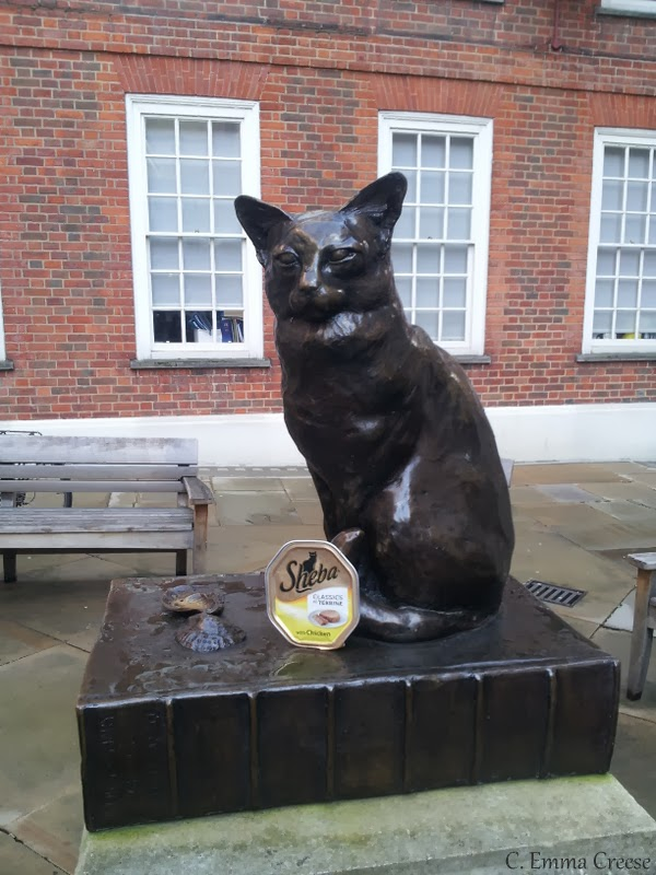 Dr Johnson; Dictionary compiler, cat lover, Twitter enabler and traveller.