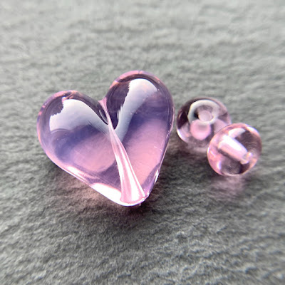 Handmade lampwork glass heart bead by Laura Sparling made with CiM Ballerina