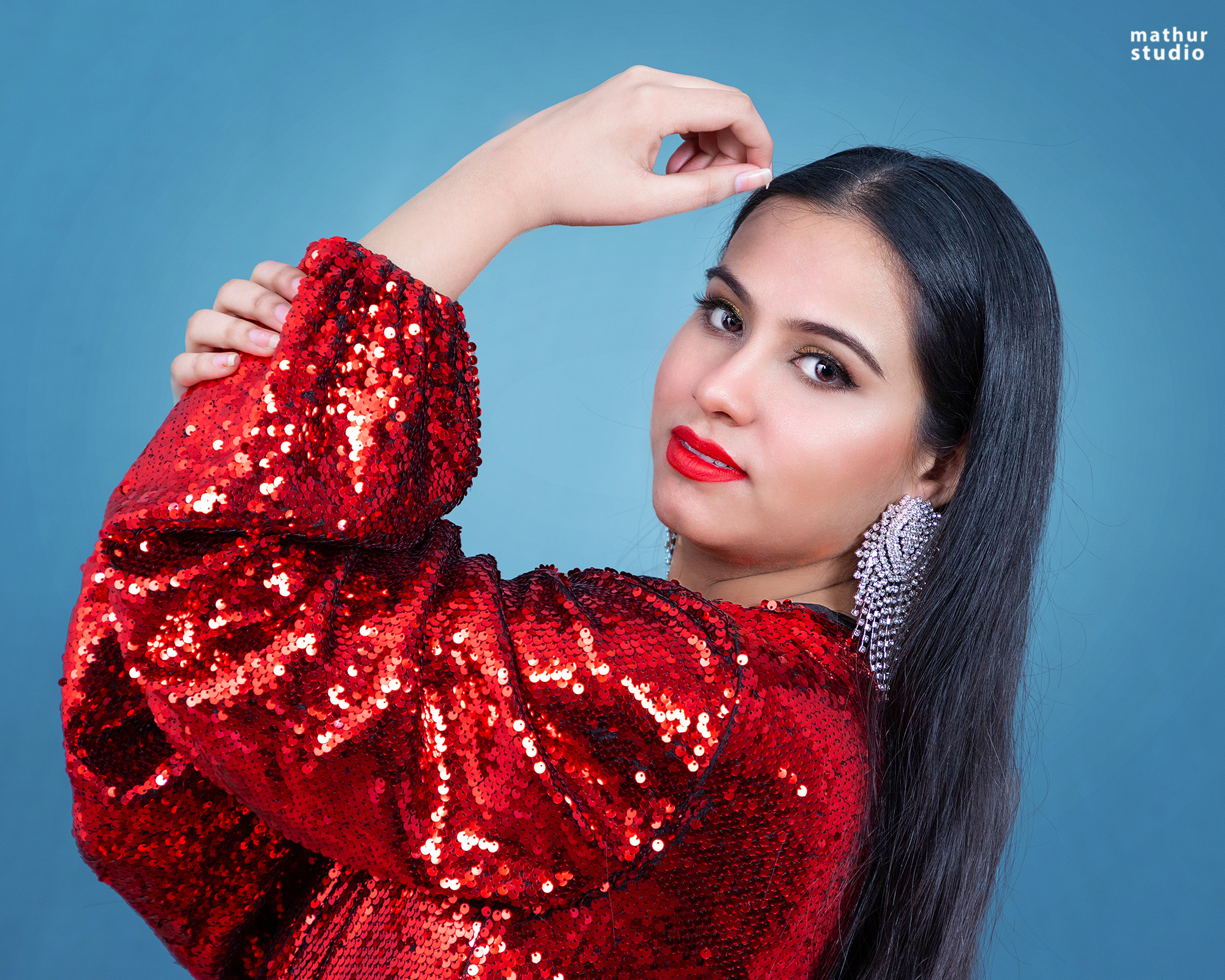 Model-Tanya-Saifi-did-a-special-photoshoot-on-her-special-day-for-her-fans